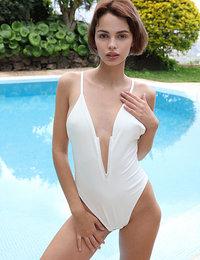 Free Watch 4 Beauty Ariela Wanna Swim?