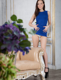 New model Vicky Masone flaunts her sexy